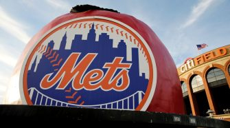 Source says Steve Cohen in negotiations for Mets as A-Rod group withdraws