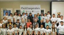 4H Tech Changemakers teach technology to older generations | Features
