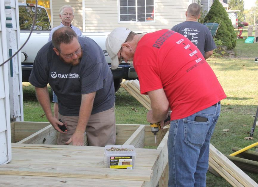 Sept. 27 - DeKalb Molded Plastics, Tempus Technologies aid United Way Day of Caring | County Features