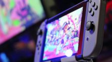 Switch Can Break The Traditional Hardware Cycle And Become Nintendo's iPhone, Says Analyst