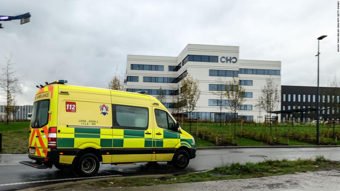 Belgium: Covid-positive health workers asked to keep working as crisis worsens