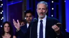 Jon Stewart to Host Current Affairs Series at Apple