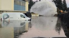 Water main break floods Fort Vancouver Regional Library