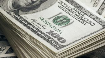 The US dollar remains king, U.S dollar gains against major currencies, America threatens China with sanctions., U.S dollar slumps against major currencies, investors become optimistic about global demand, U.SDollar Stands Firm,Foreign Exchange TradersRemain Neutral