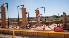 Natural-Gas Drillers Outshine Oil Peers as Covid-19 Surges