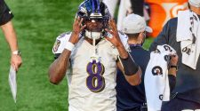 Ravens quarterback Lamar Jackson tests positive for COVID-19, per report