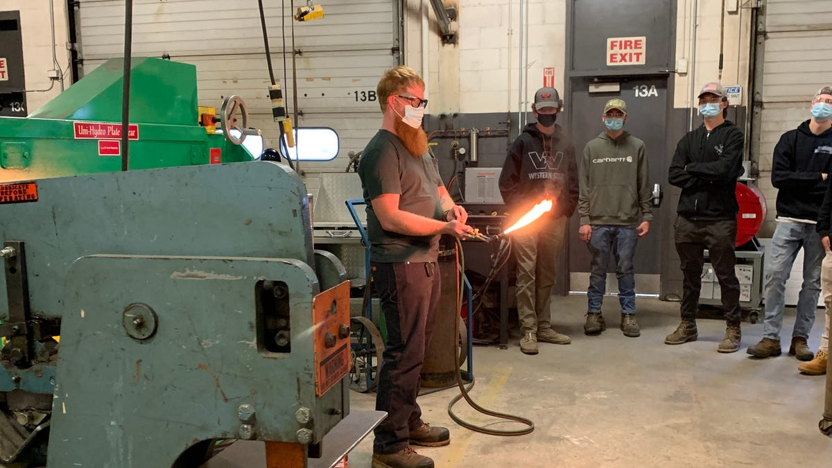 Seacoast School of Technology welcomes new welding instructor