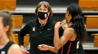 Stanford coach Tara VanDerveer surpasses Pat Summitt for most victories in Division I women's basketball with 1,099