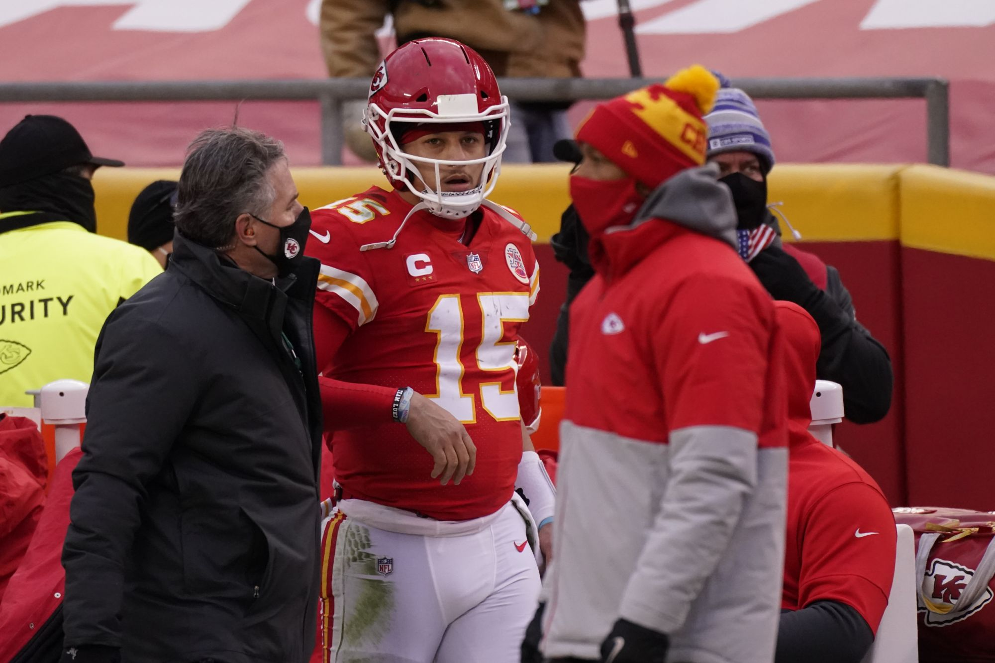 Chiefs' Super Bowl chances flashed before eyes with Mahomes injury
