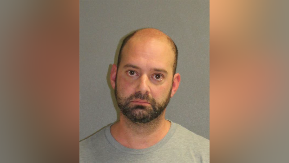 New Smyrna Beach man accused of killing cat by breaking its neck