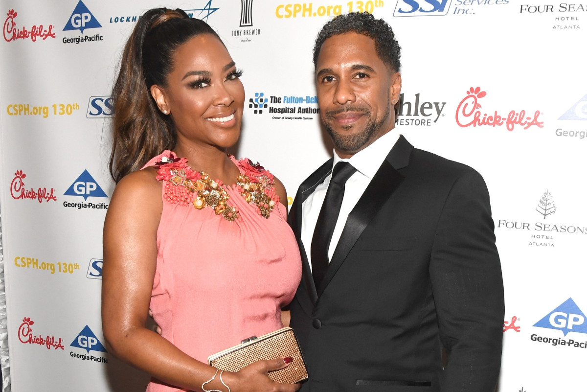 'RHOA' star Kenya Moore and Marc Daly break up...again