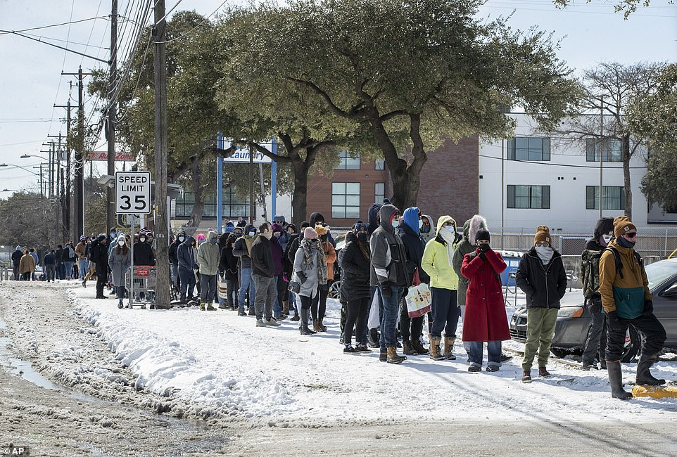 Austin, Texas: People wait in line to buy groceries during the extreme cold snap and widespread power outage on Tuesday