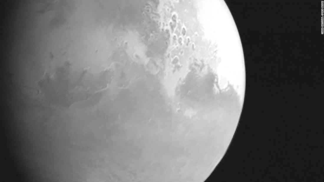 Mars mission: Tianwen-1 sends back its first picture