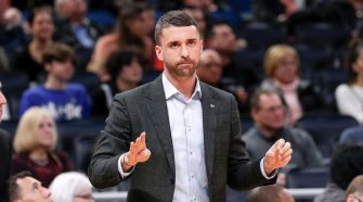 Timberwolves fire coach Ryan Saunders; Minnesota to hire Chris Finch away from Raptors, per report