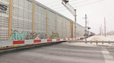 Train blocks traffic after breaking down crossing Singing Hills Blvd. | SiouxlandProud | Sioux City, IA