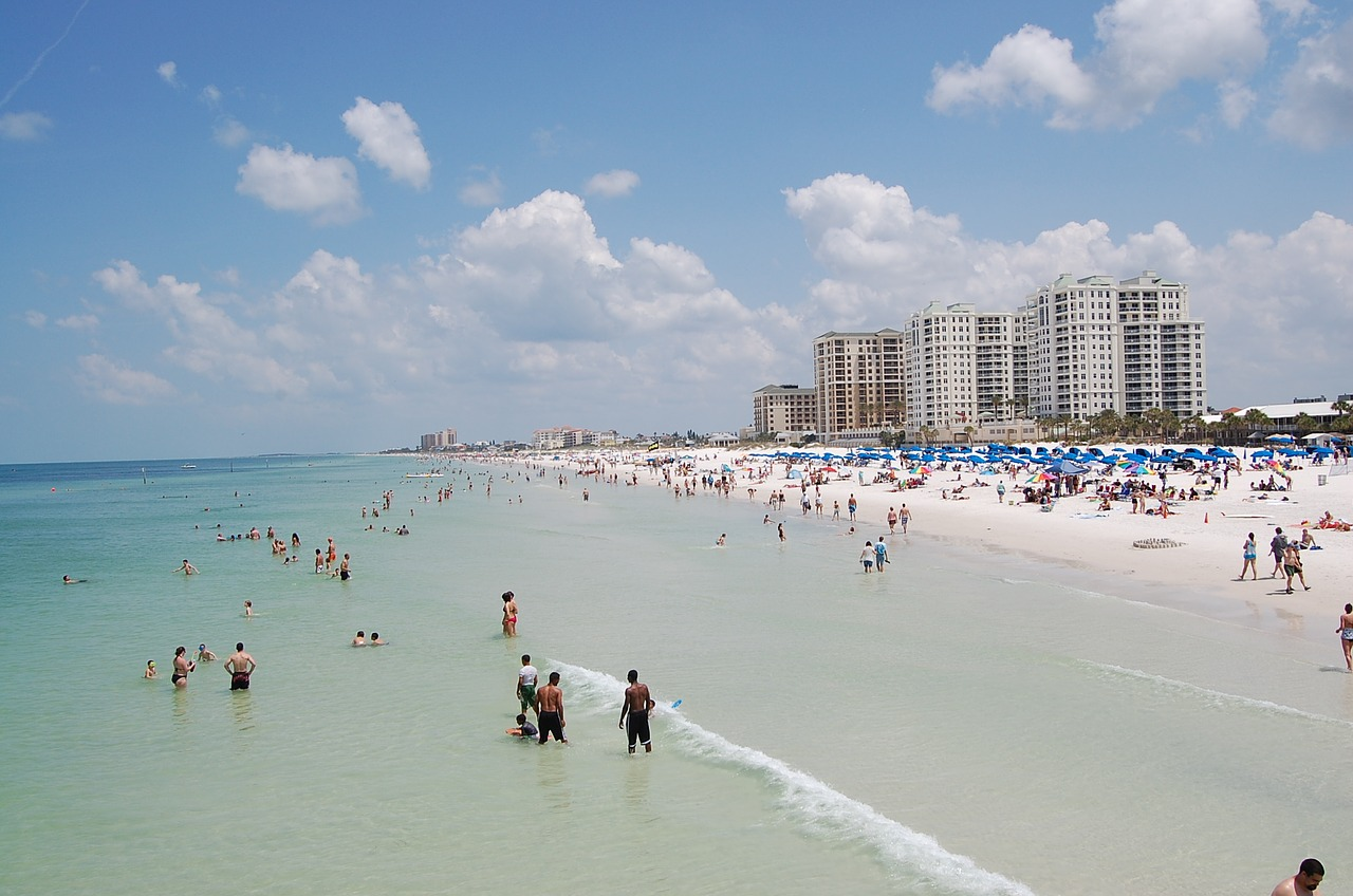 Beaches and bars should be limited during spring break – The Oracle
