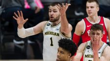 College basketball scores, winners and losers: Michigan loses Isaiah Livers then falls to Ohio State