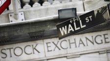 Technology stocks lead indexes lower as yields resume climb