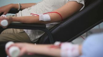 Donating blood is safe after vaccine health experts say