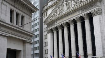 Stocks close higher as banks, technology lead broad rally